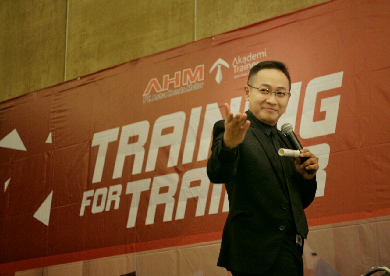 Kursus Public Speaking Training For Trainer - Corporate Training Indonesia