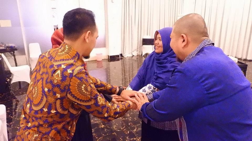 7 Cara Ampuh Membangun Komunikasi untuk Meningkatkan Kinerja Tim - Corporate training Indonesia