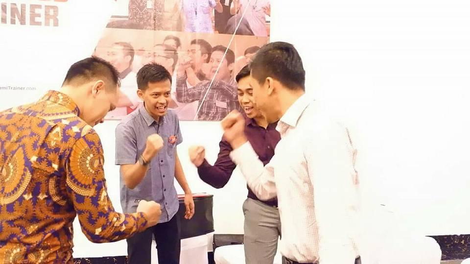 7 Langkah Meningkatkan Kinerja Tim - Corporate Training Indonesia