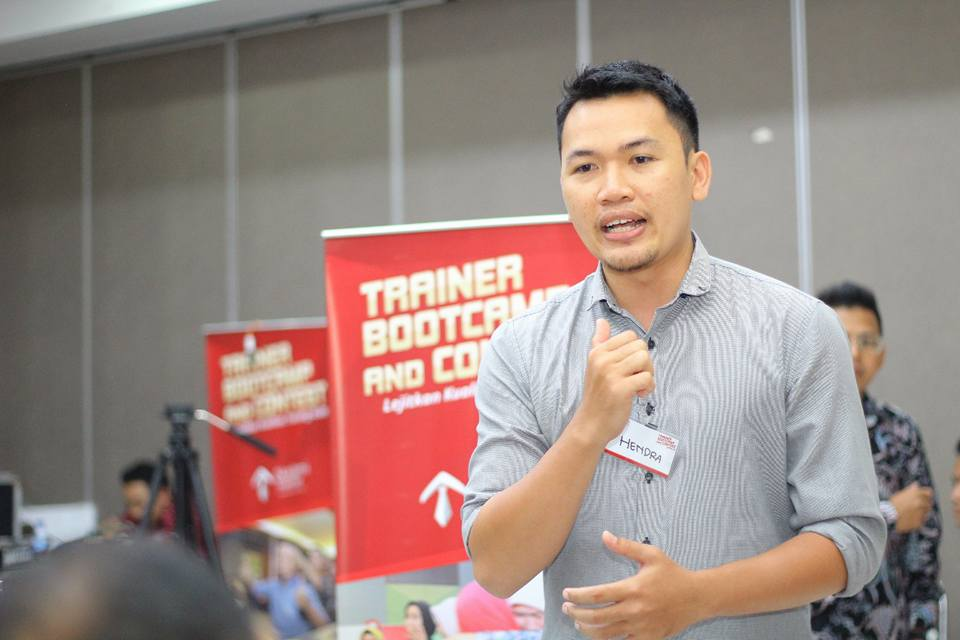 Apa Dampak Bila Bicara Tidak Efektif di Perusahaan Anda - Corporate Training Indonesia