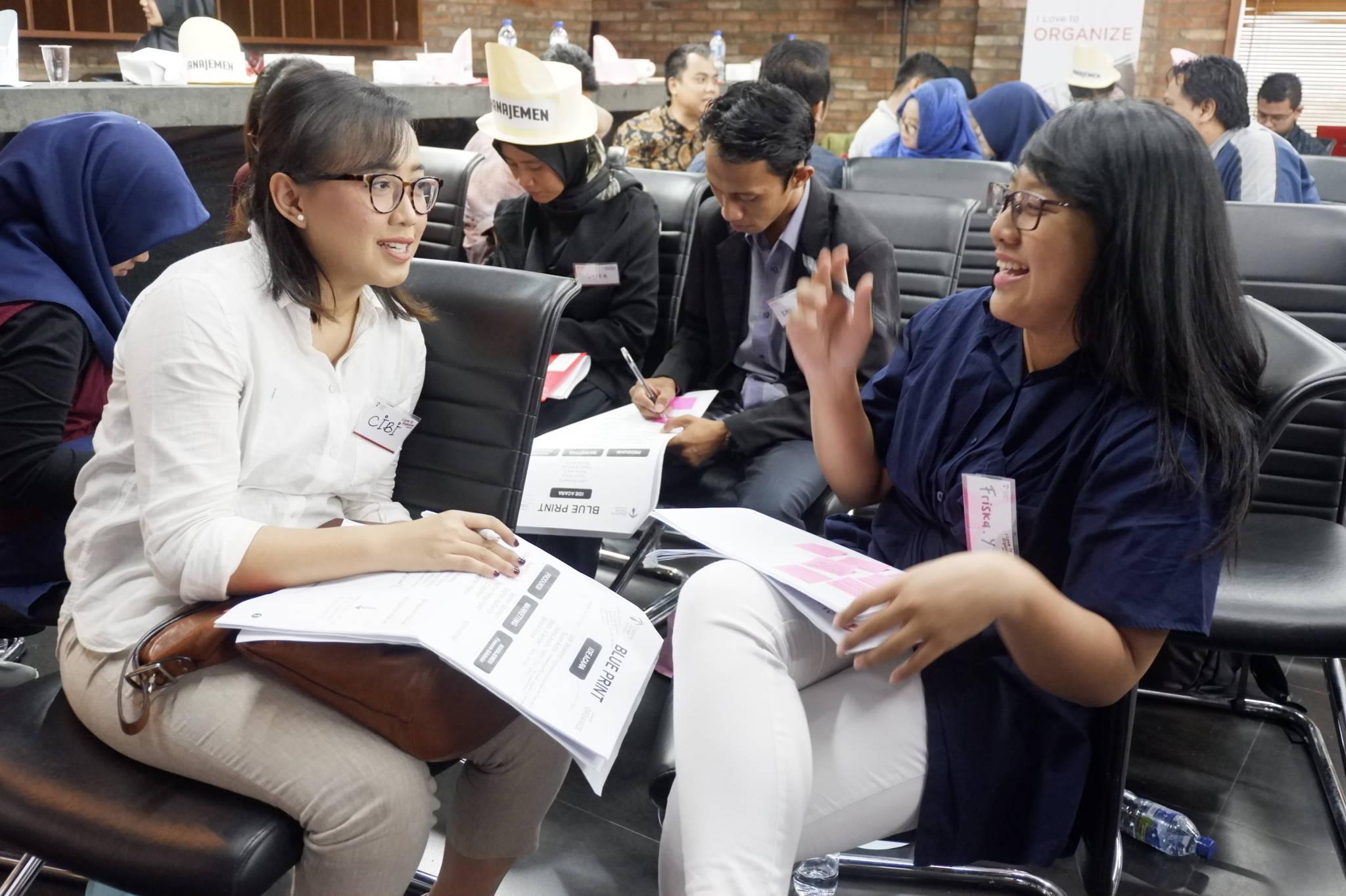Cara Cerdas Menaklukkan Hati Konsumen pada Pertemuan Pertama - Corporate Training Indonesia